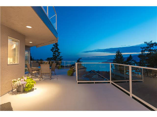 Detached at 5349 MONTE BRE CRESCENT, West Vancouver, British Columbia. Image 14