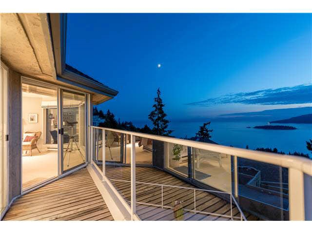 Detached at 5349 MONTE BRE CRESCENT, West Vancouver, British Columbia. Image 16