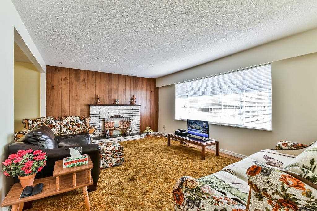 Detached at 7451 113 STREET, N. Delta, British Columbia. Image 4