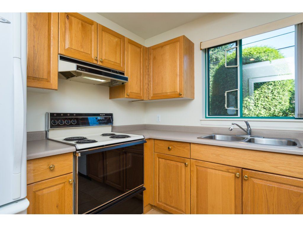 Condo Apartment at 102 1569 EVERALL STREET, Unit 102, South Surrey White Rock, British Columbia. Image 2