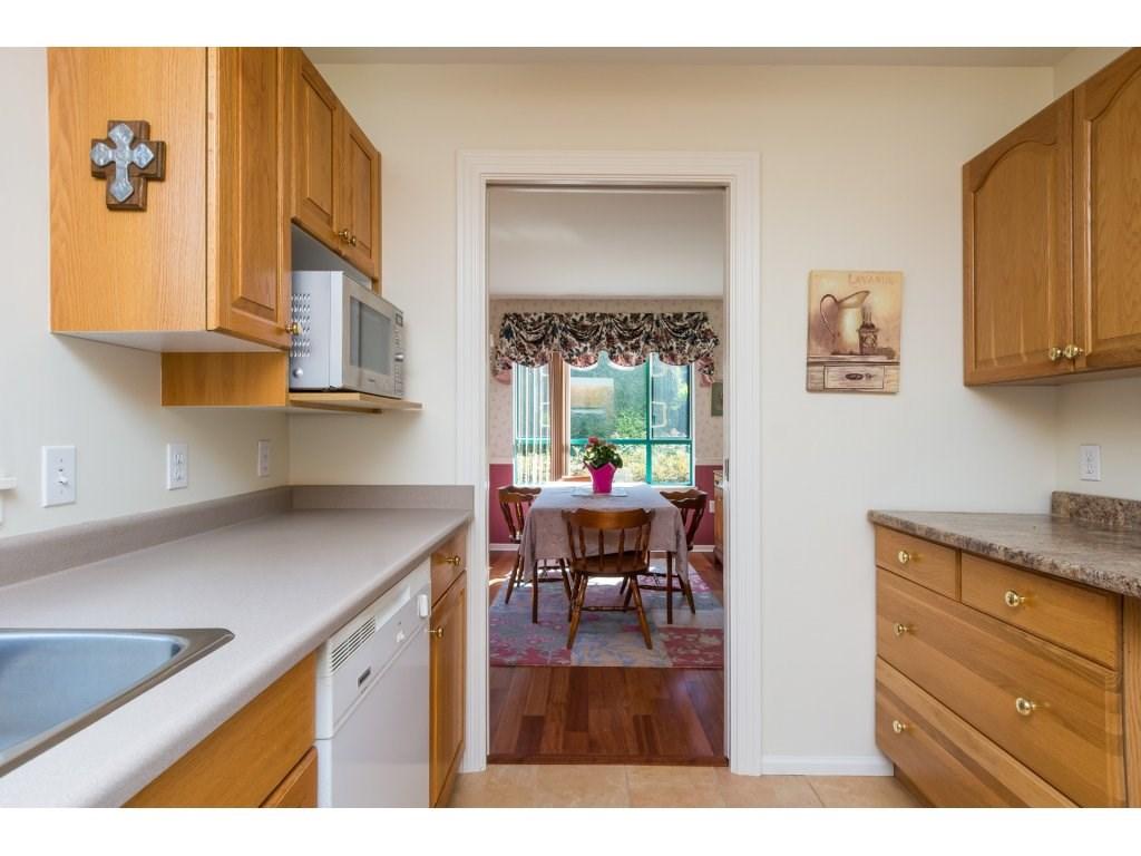Condo Apartment at 102 1569 EVERALL STREET, Unit 102, South Surrey White Rock, British Columbia. Image 4