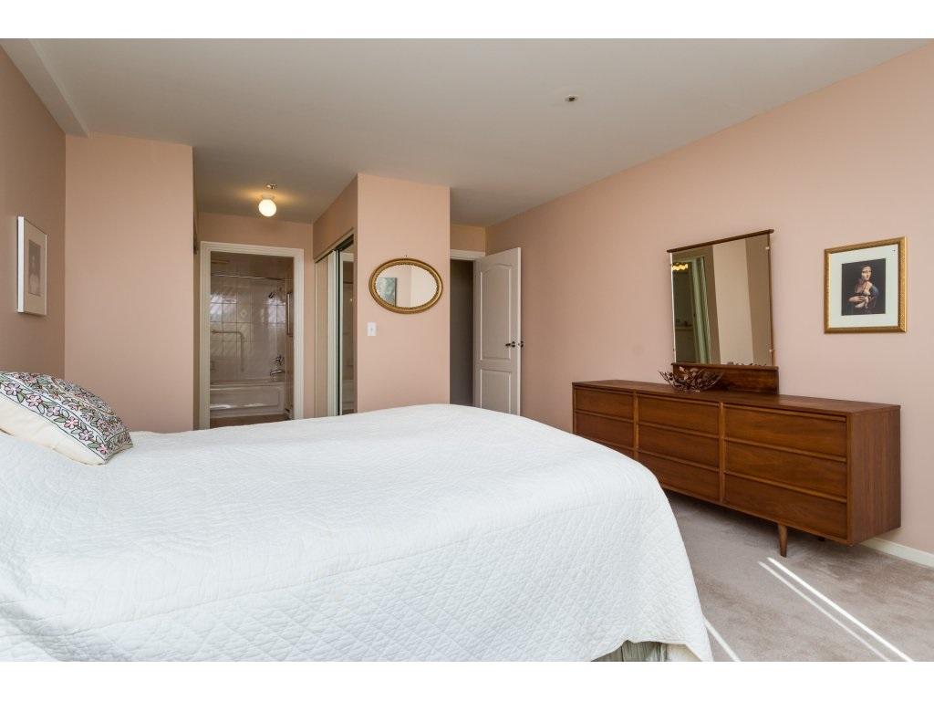 Condo Apartment at 102 1569 EVERALL STREET, Unit 102, South Surrey White Rock, British Columbia. Image 10