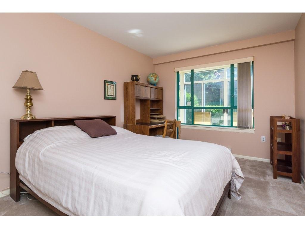 Condo Apartment at 102 1569 EVERALL STREET, Unit 102, South Surrey White Rock, British Columbia. Image 11