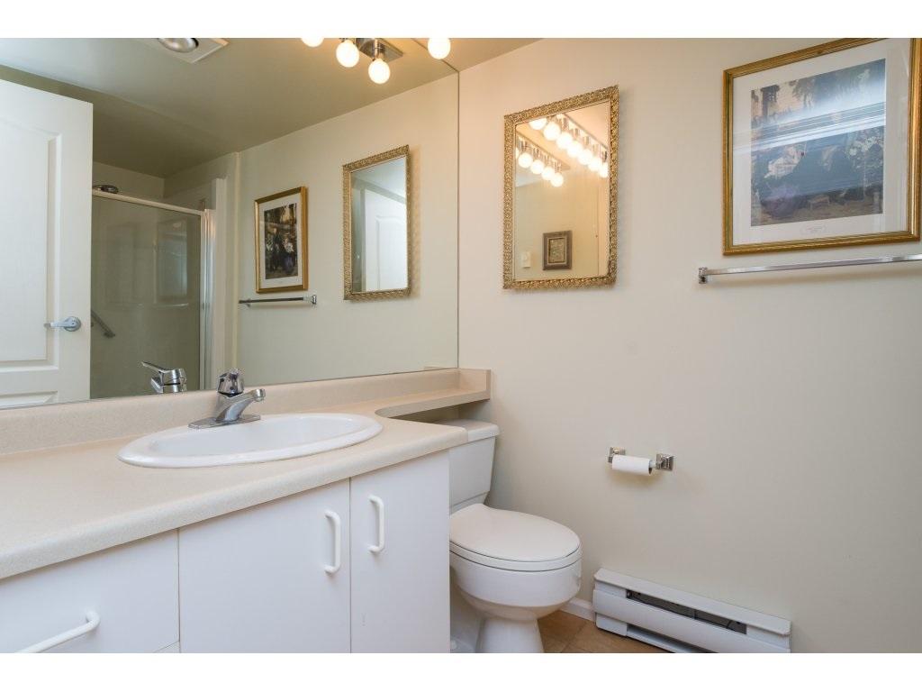 Condo Apartment at 102 1569 EVERALL STREET, Unit 102, South Surrey White Rock, British Columbia. Image 12