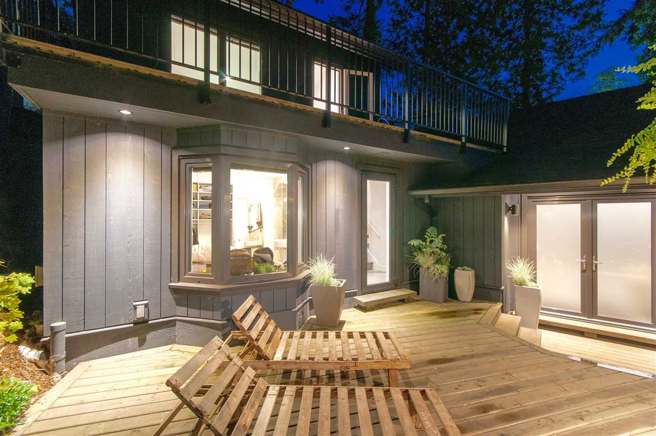 Detached at 5809 MARINE DRIVE, West Vancouver, British Columbia. Image 9
