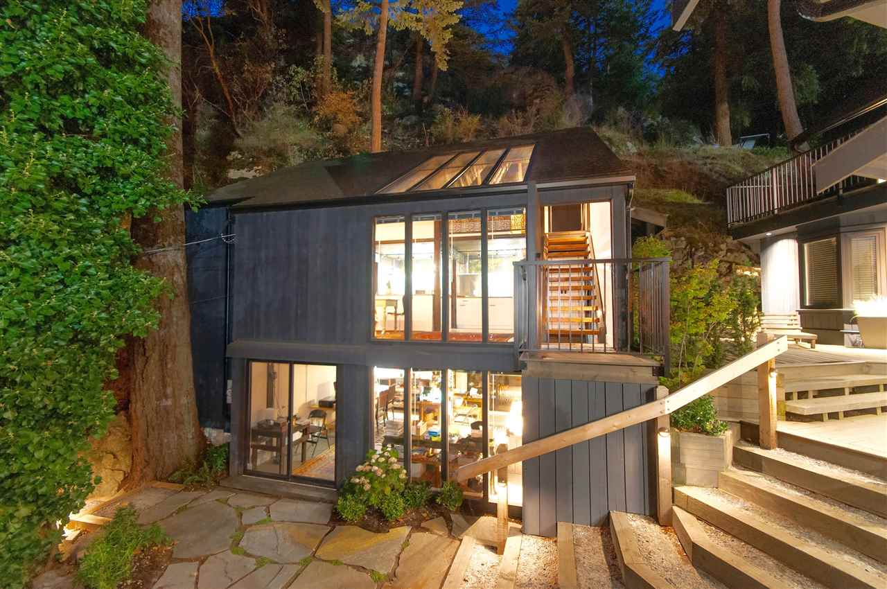 Detached at 5809 MARINE DRIVE, West Vancouver, British Columbia. Image 14