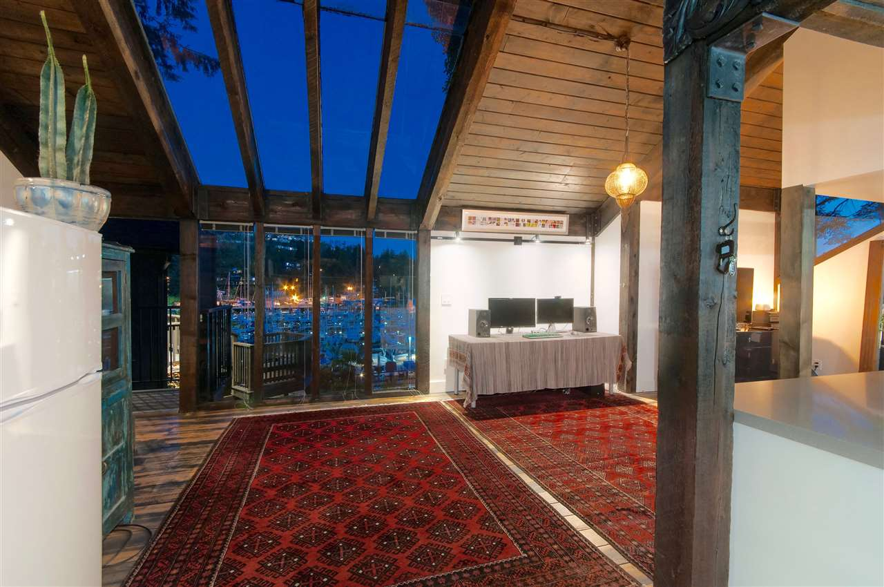 Detached at 5809 MARINE DRIVE, West Vancouver, British Columbia. Image 15