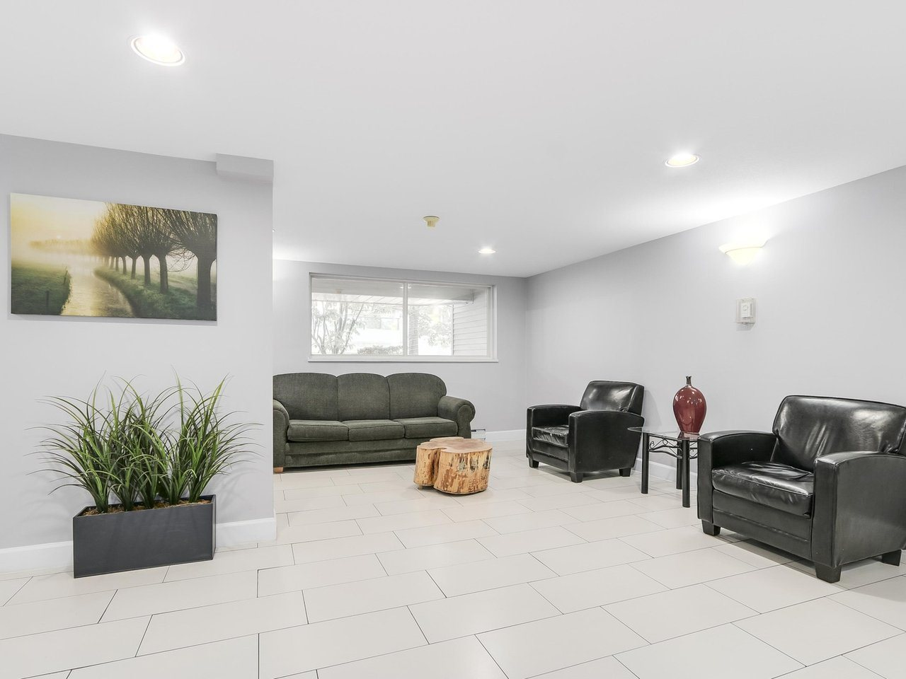 Condo Apartment at 308 13680 84 AVENUE, Unit 308, Surrey, British Columbia. Image 3