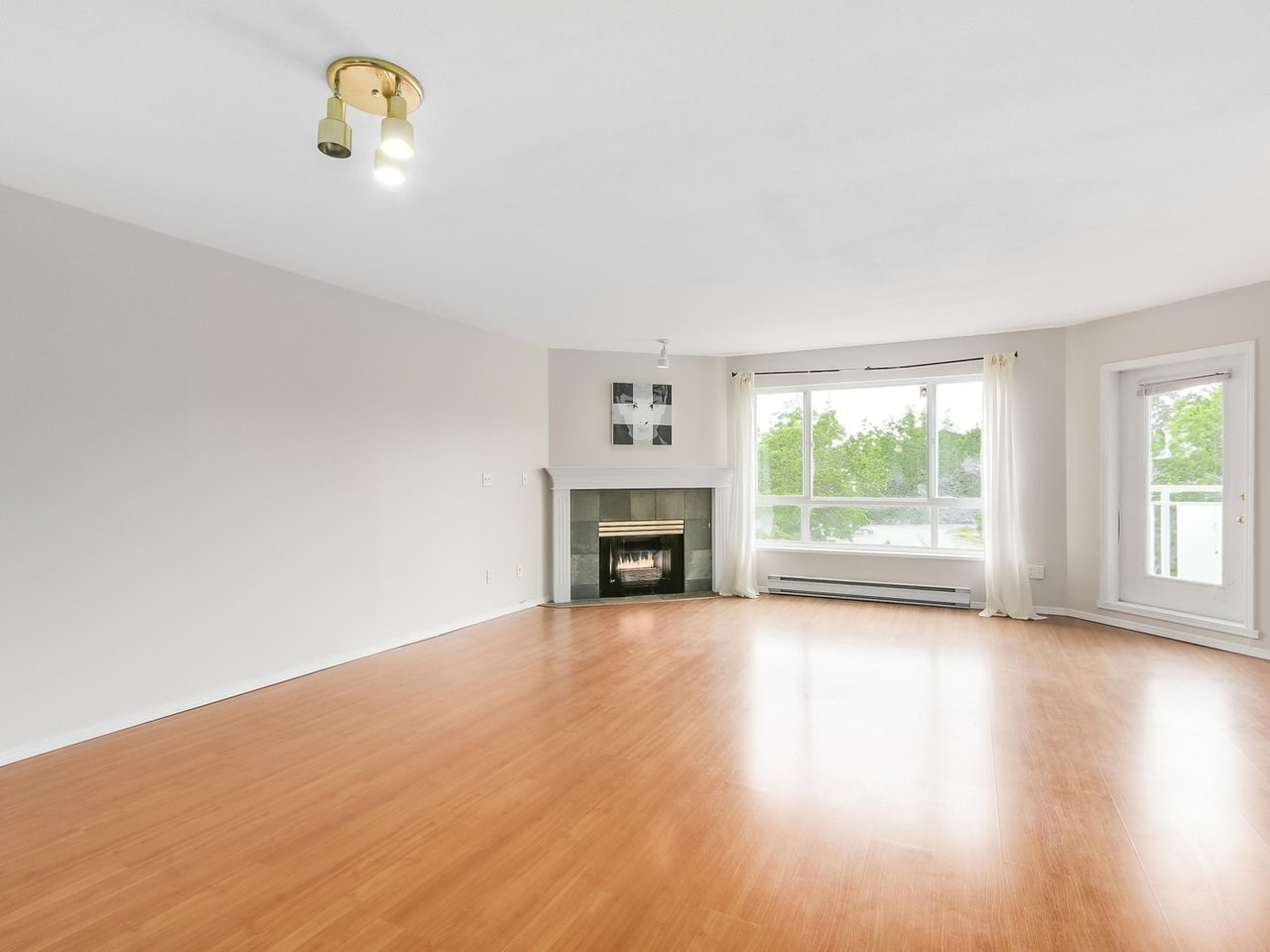 Condo Apartment at 308 13680 84 AVENUE, Unit 308, Surrey, British Columbia. Image 4