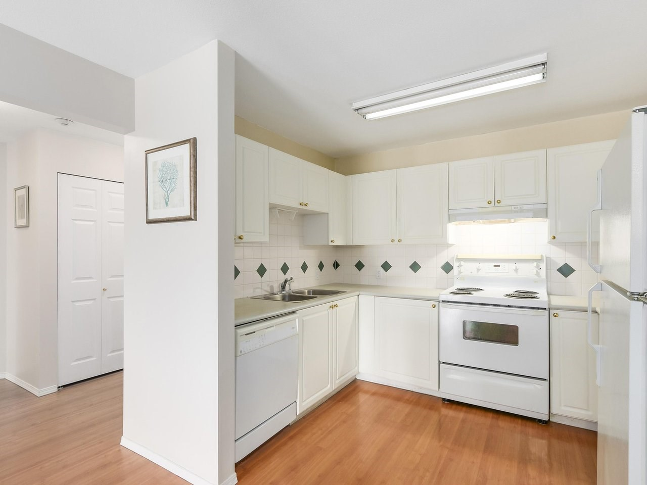 Condo Apartment at 308 13680 84 AVENUE, Unit 308, Surrey, British Columbia. Image 7