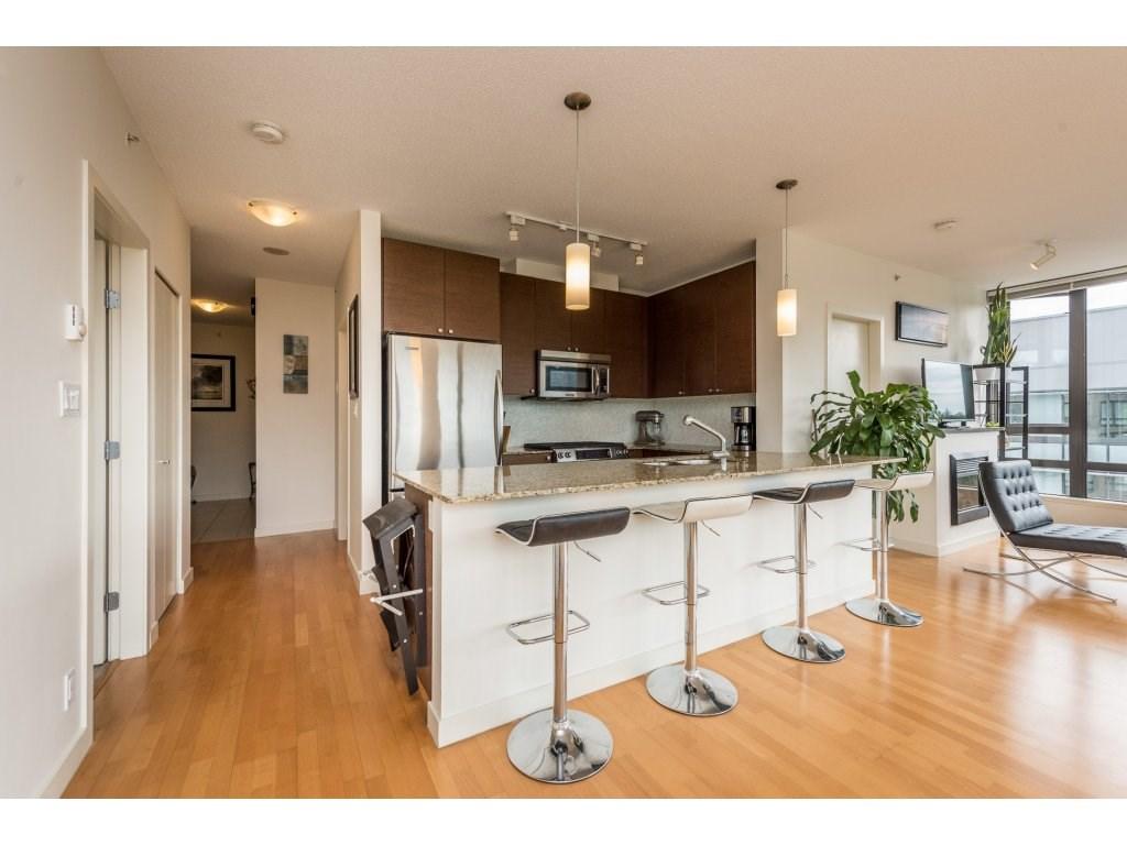 Condo Apartment at 1102 400 CAPILANO ROAD, Unit 1102, Port Moody, British Columbia. Image 3