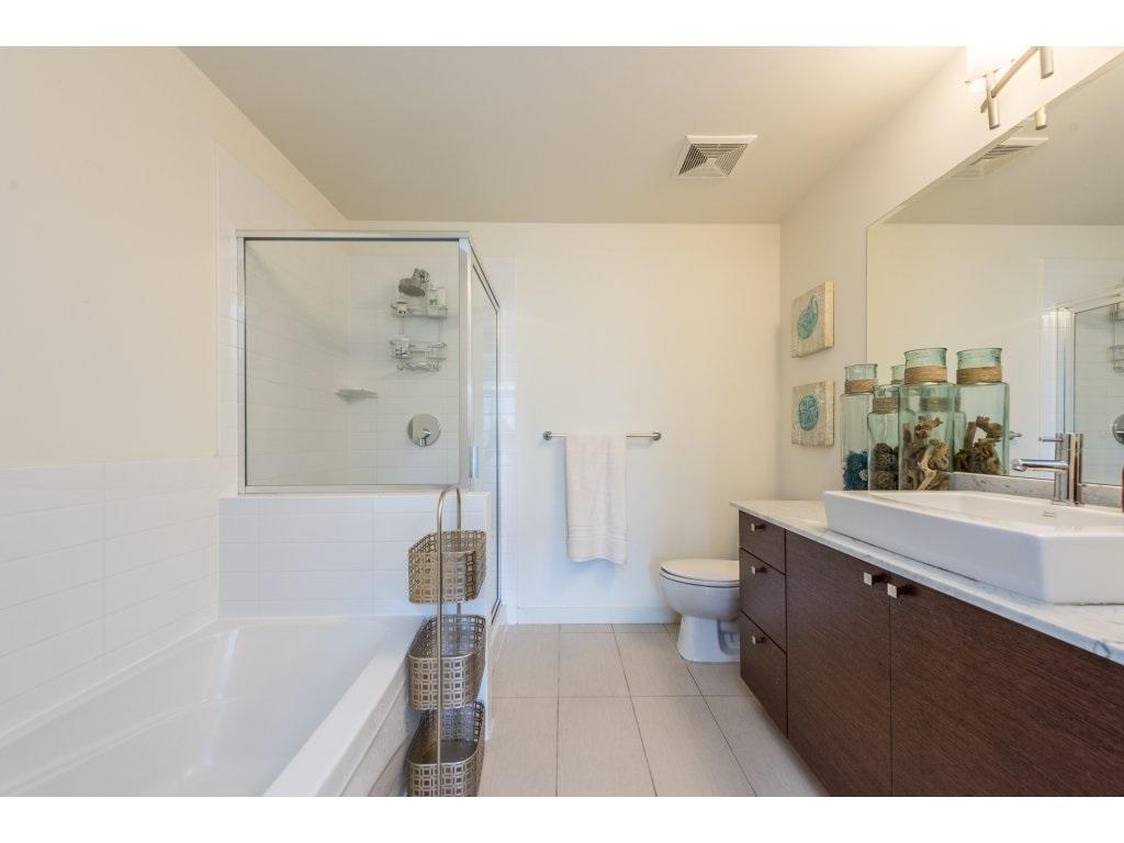 Condo Apartment at 1102 400 CAPILANO ROAD, Unit 1102, Port Moody, British Columbia. Image 13