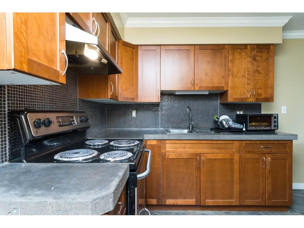 Half-duplex at 7902 115A STREET, N. Delta, British Columbia. Image 7