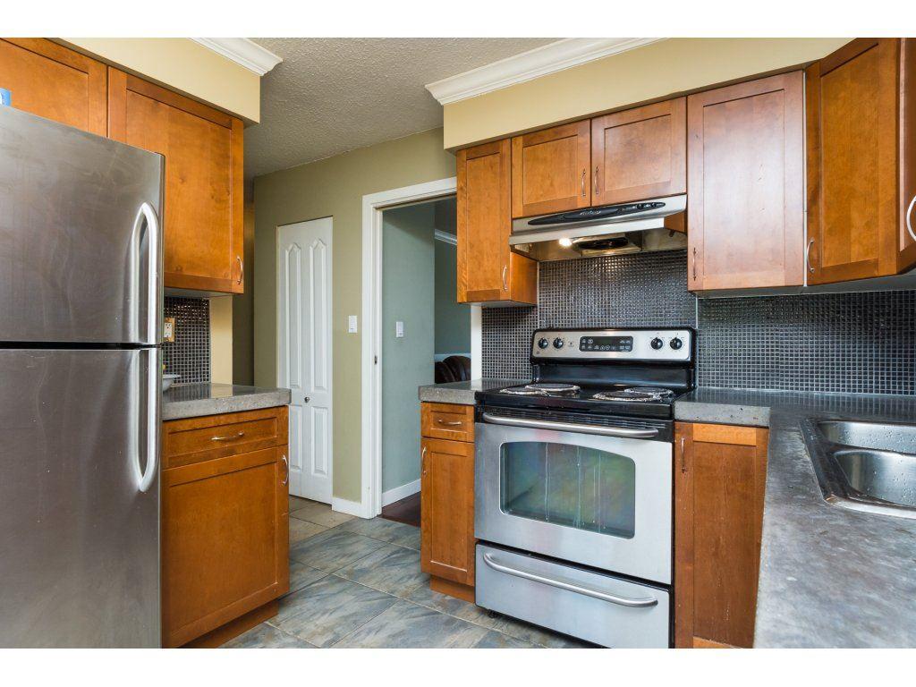 Half-duplex at 7902 115A STREET, N. Delta, British Columbia. Image 11