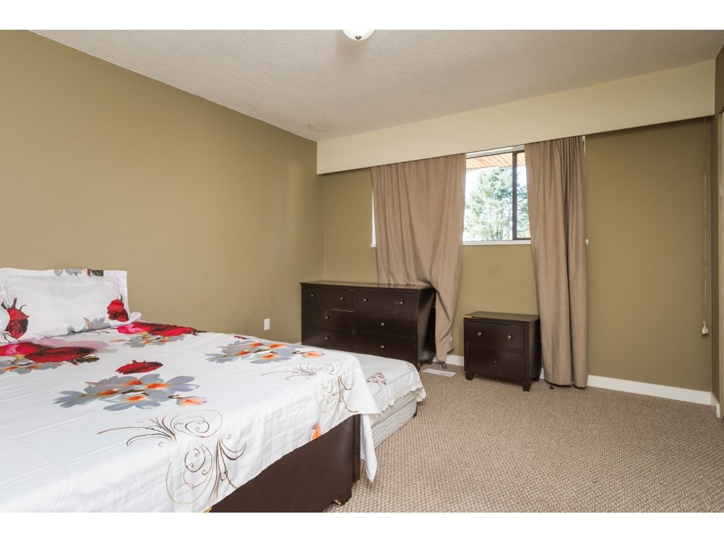 Half-duplex at 7902 115A STREET, N. Delta, British Columbia. Image 13
