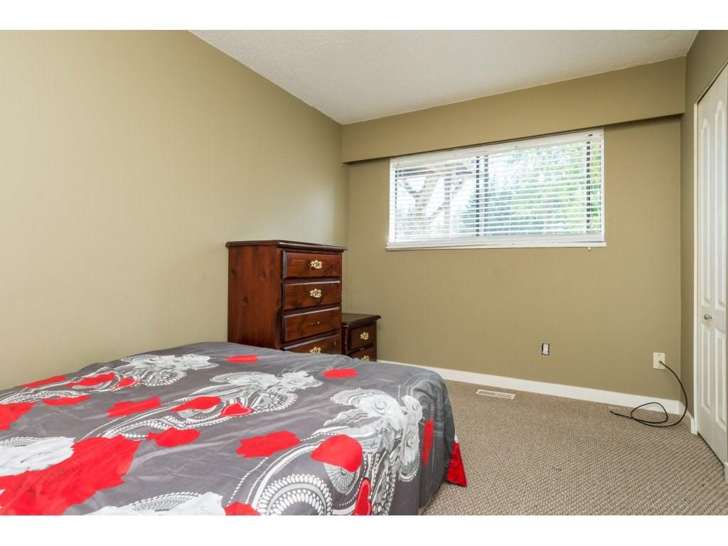 Half-duplex at 7902 115A STREET, N. Delta, British Columbia. Image 15