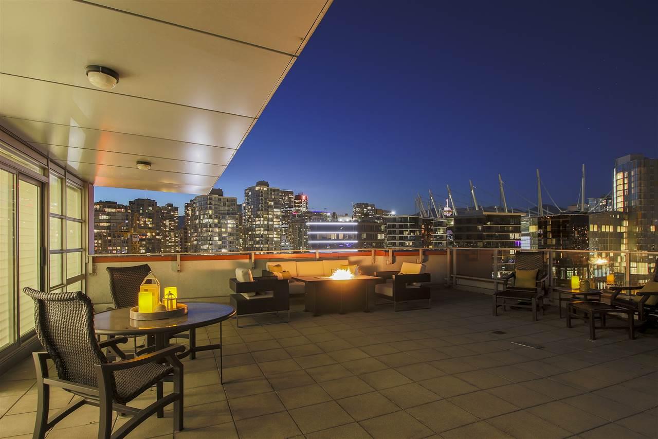 Condo Apartment at PH3 980 COOPERAGE WAY, Unit PH3, Vancouver West, British Columbia. Image 1
