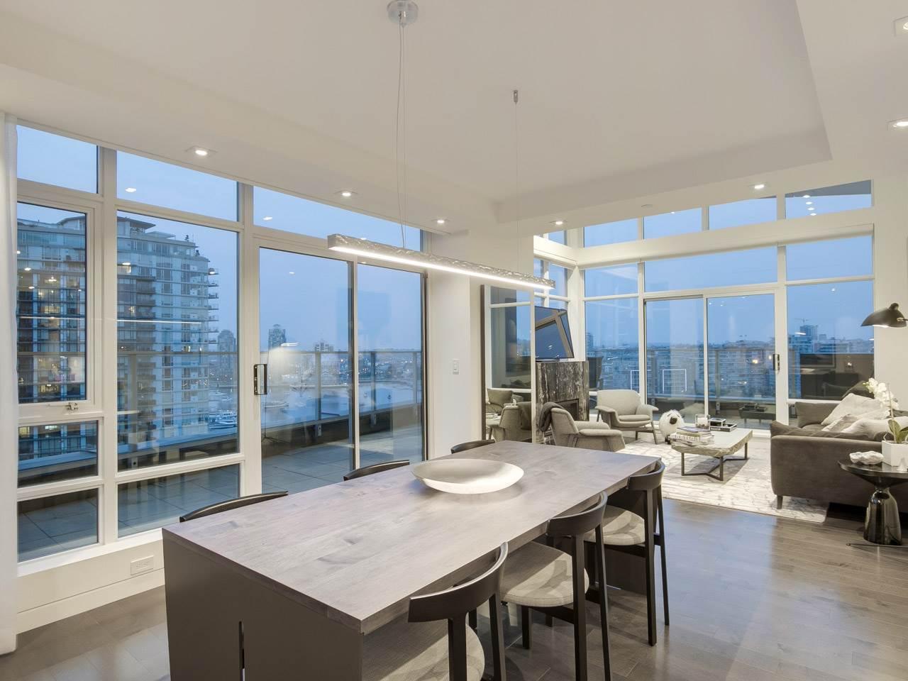 Condo Apartment at PH3 980 COOPERAGE WAY, Unit PH3, Vancouver West, British Columbia. Image 4