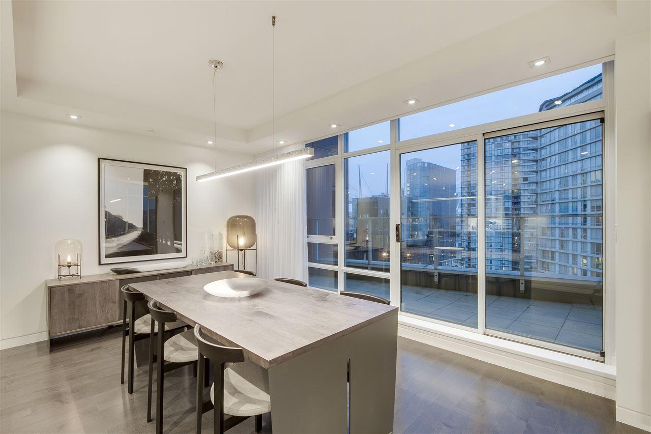 Condo Apartment at PH3 980 COOPERAGE WAY, Unit PH3, Vancouver West, British Columbia. Image 6