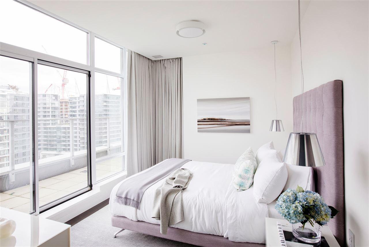 Condo Apartment at PH3 980 COOPERAGE WAY, Unit PH3, Vancouver West, British Columbia. Image 13
