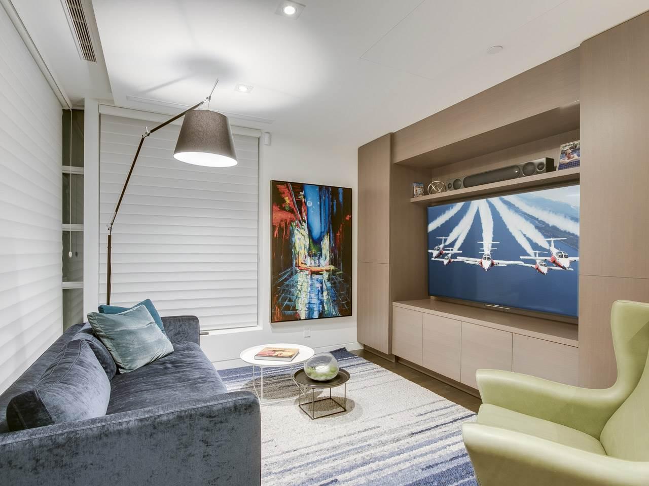 Condo Apartment at PH3 980 COOPERAGE WAY, Unit PH3, Vancouver West, British Columbia. Image 16