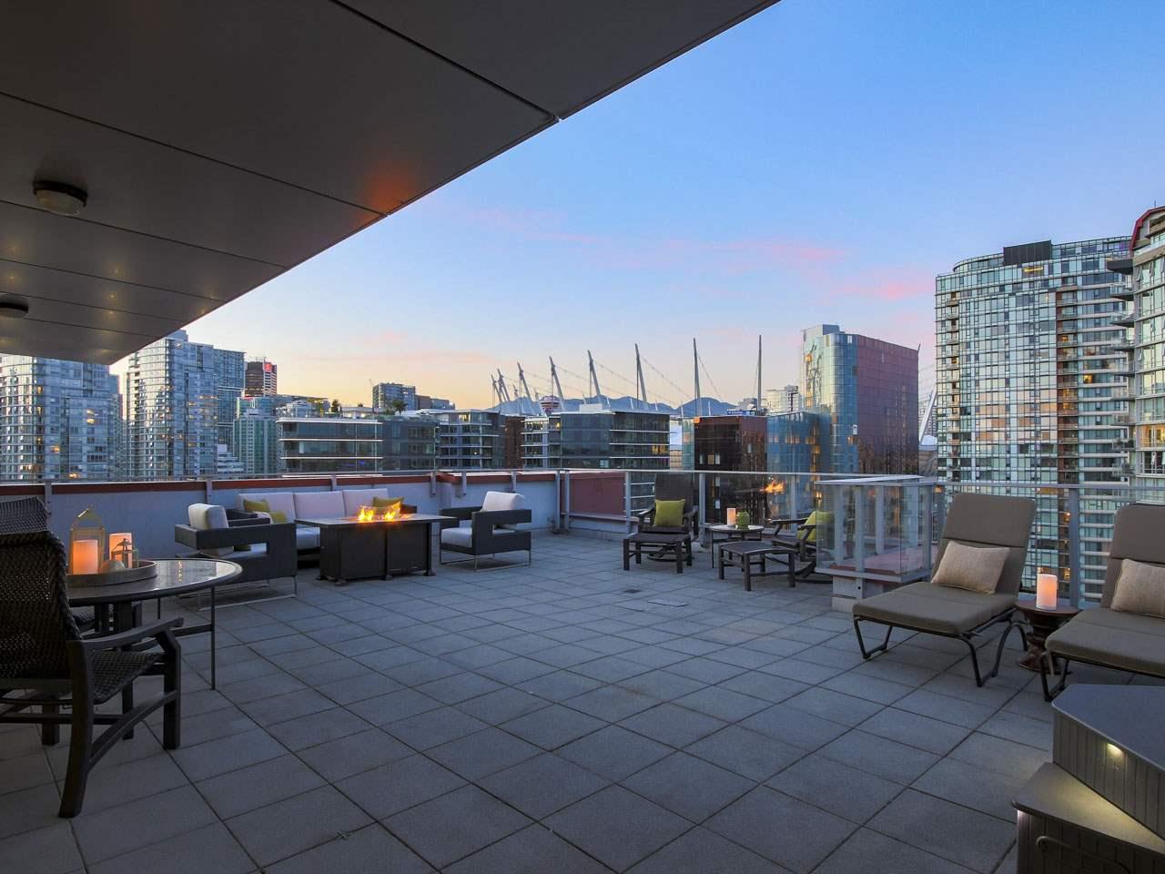 Condo Apartment at PH3 980 COOPERAGE WAY, Unit PH3, Vancouver West, British Columbia. Image 20