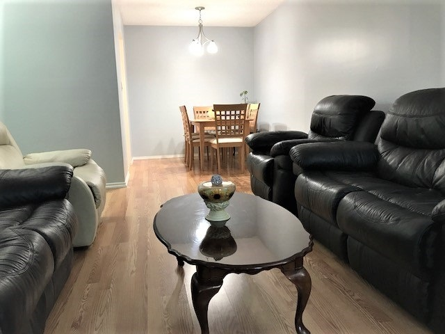 Condo Apartment at 103 9890 MANCHESTER DRIVE, Unit 103, Burnaby North, British Columbia. Image 4