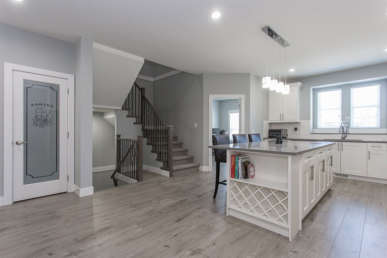 Detached at 4346 N AUGUSTON PARKWAY, Abbotsford, British Columbia. Image 3
