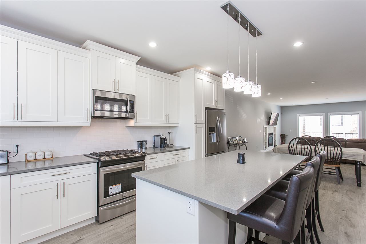 Detached at 4346 N AUGUSTON PARKWAY, Abbotsford, British Columbia. Image 5