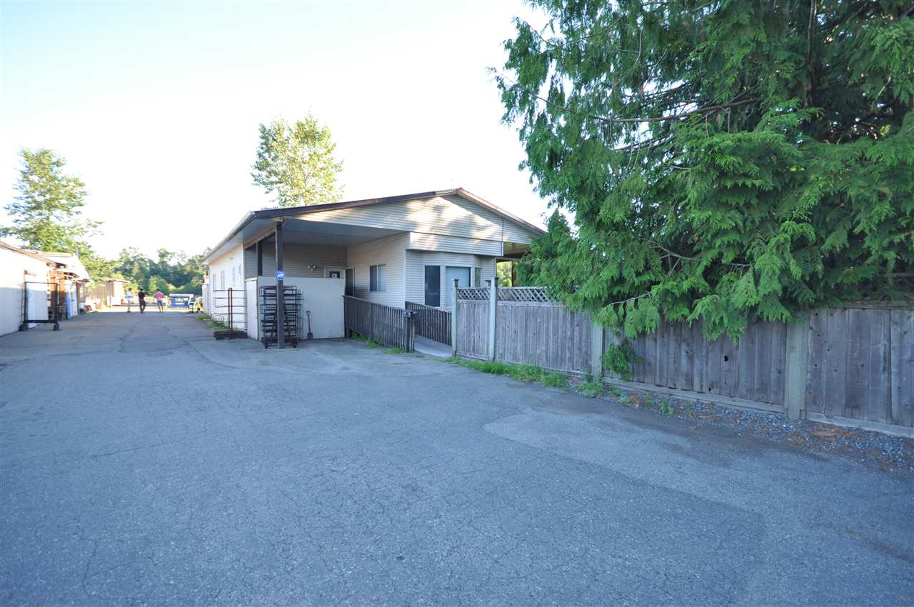 Detached at 21896 40 AVENUE, Langley, British Columbia. Image 3