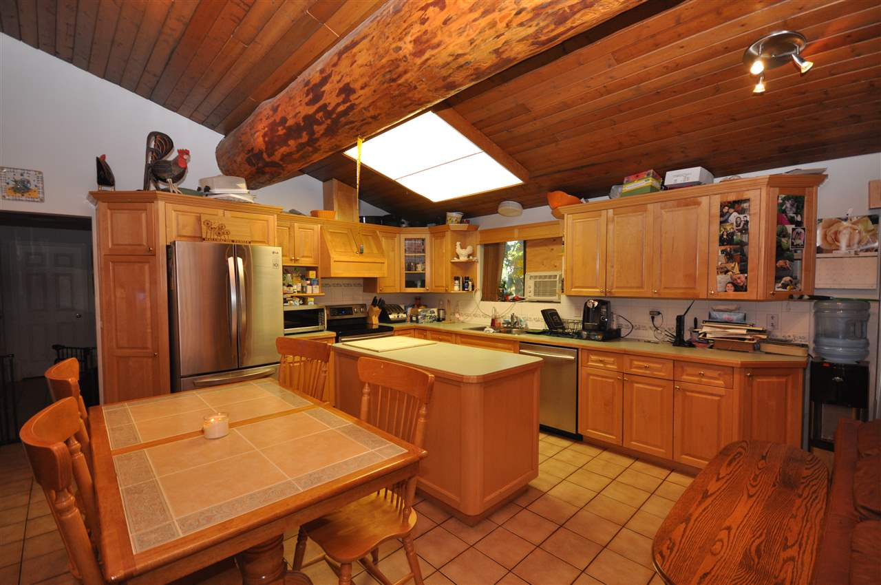 Detached at 21896 40 AVENUE, Langley, British Columbia. Image 6