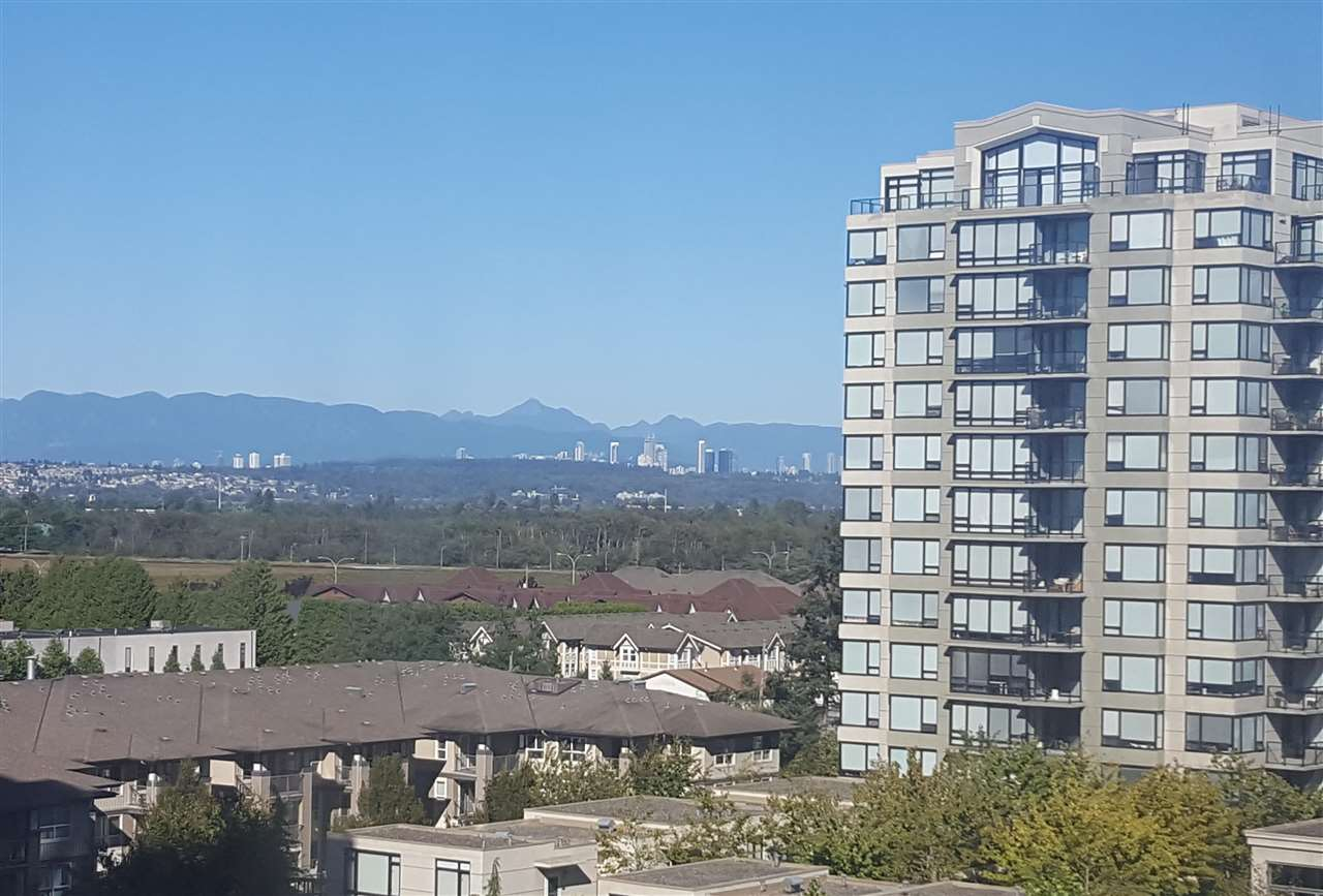 Condo Apartment at 1106 9188 HEMLOCK DRIVE, Unit 1106, Richmond, British Columbia. Image 4