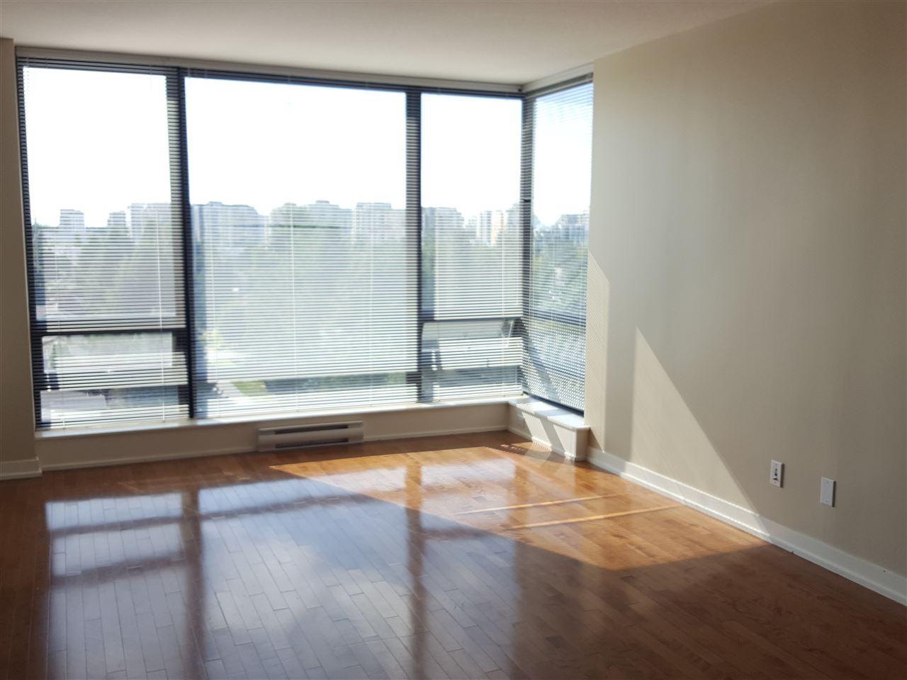 Condo Apartment at 1106 9188 HEMLOCK DRIVE, Unit 1106, Richmond, British Columbia. Image 6