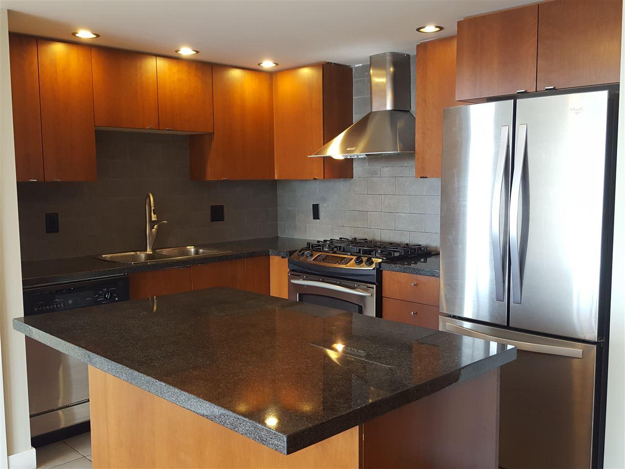 Condo Apartment at 1106 9188 HEMLOCK DRIVE, Unit 1106, Richmond, British Columbia. Image 9