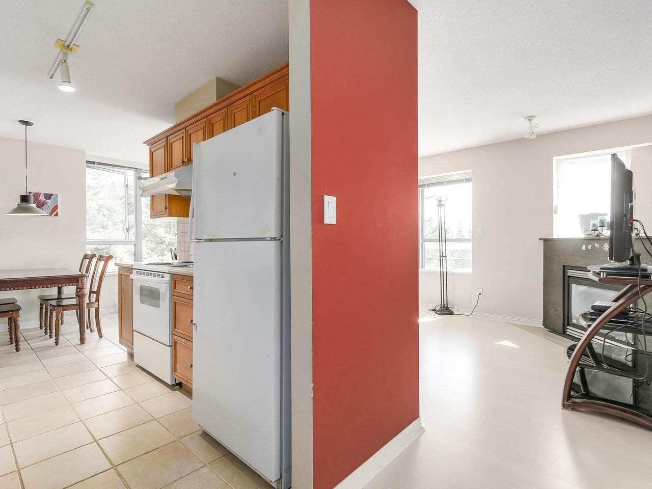 Condo Apartment at 1406 5639 HAMPTON PLACE, Unit 1406, Vancouver West, British Columbia. Image 3