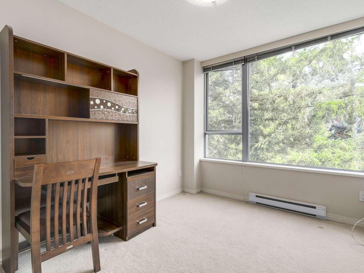 Condo Apartment at 1406 5639 HAMPTON PLACE, Unit 1406, Vancouver West, British Columbia. Image 14