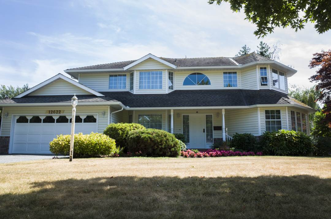 Detached at 12622 24A AVENUE, South Surrey White Rock, British Columbia. Image 1