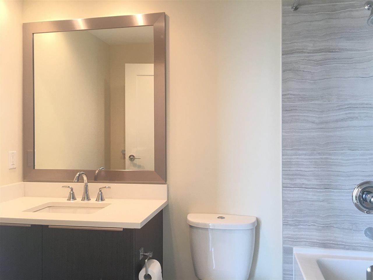 Condo Apartment at 1107 8677 CAPSTAN WAY, Unit 1107, Richmond, British Columbia. Image 10