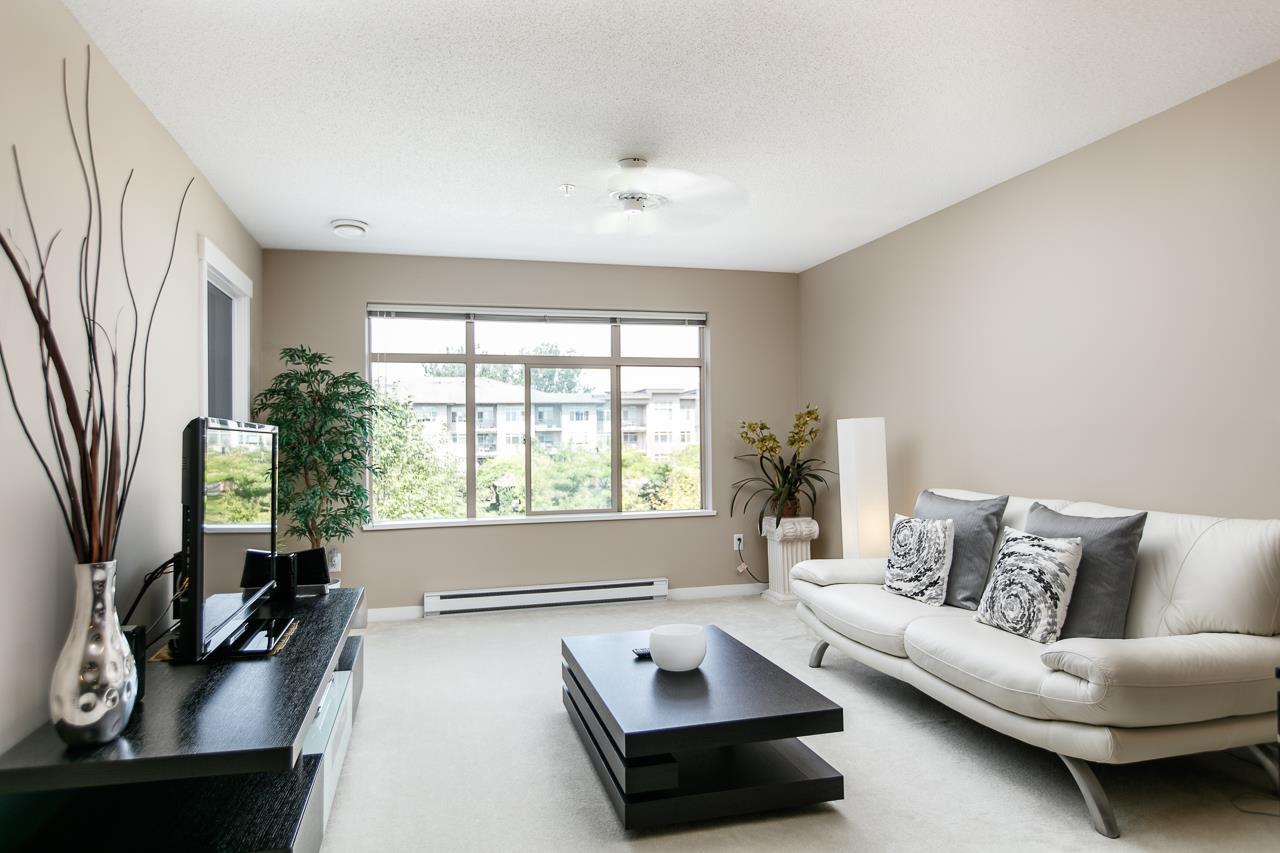 Condo Apartment at 316 9199 TOMICKI AVENUE, Unit 316, Richmond, British Columbia. Image 4