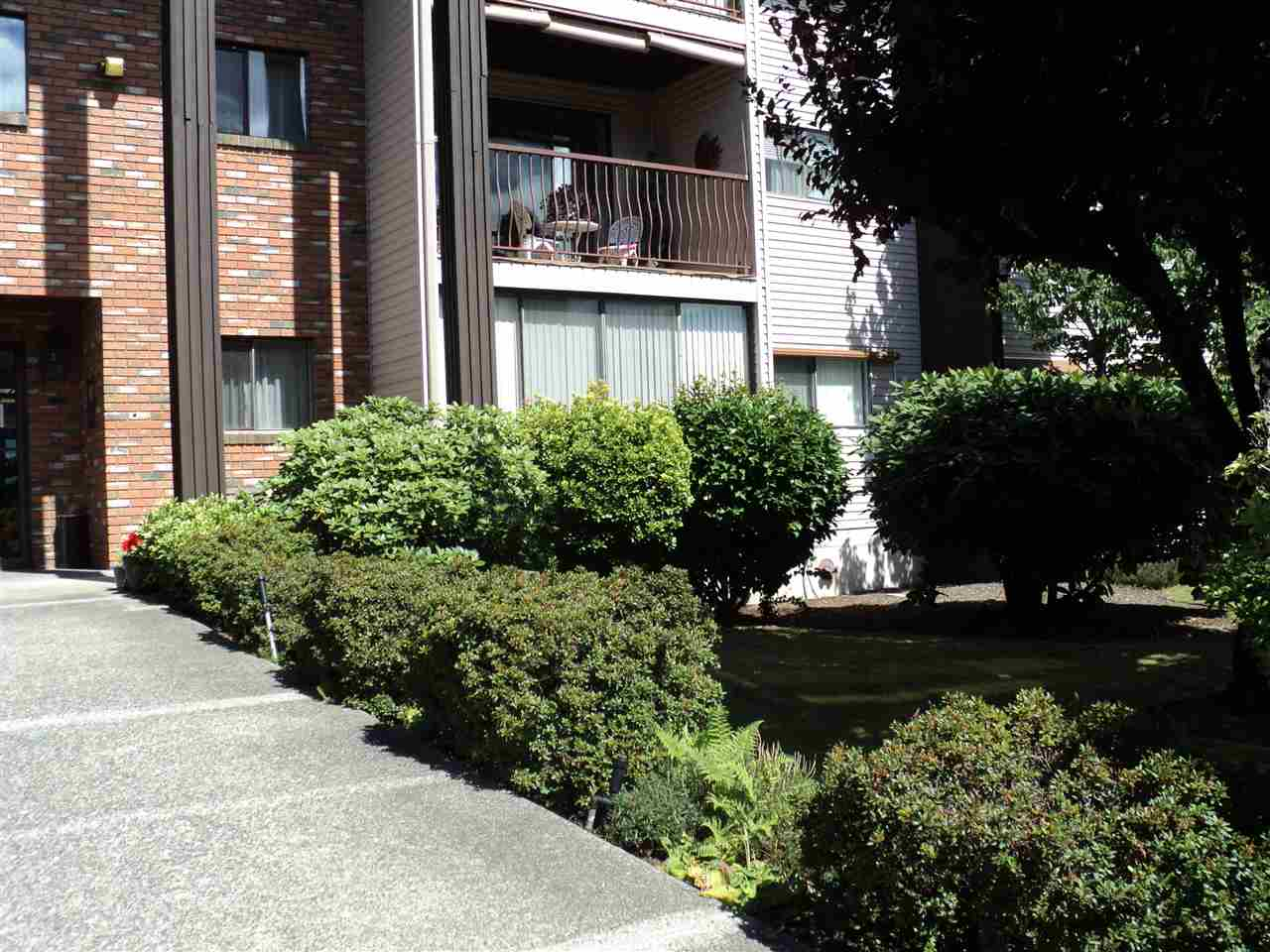Condo Apartment at 109 32910 AMICUS PLACE, Unit 109, Abbotsford, British Columbia. Image 2