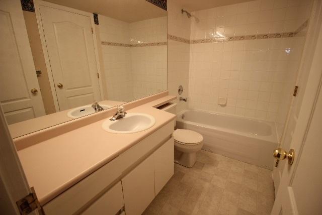 Condo Apartment at 108 9650 148 STREET, Unit 108, North Surrey, British Columbia. Image 3