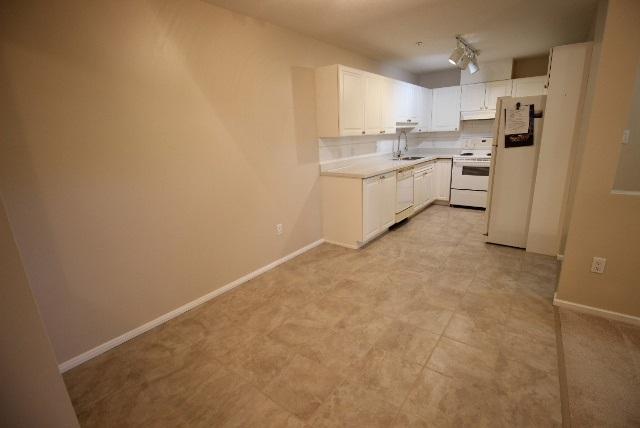 Condo Apartment at 108 9650 148 STREET, Unit 108, North Surrey, British Columbia. Image 4