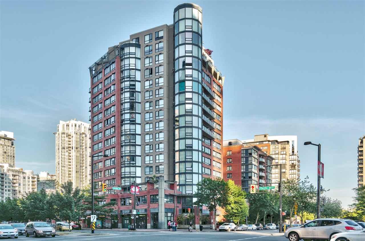 Condo Apartment at 9F 199 DRAKE STREET, Unit 9F, Vancouver West, British Columbia. Image 1