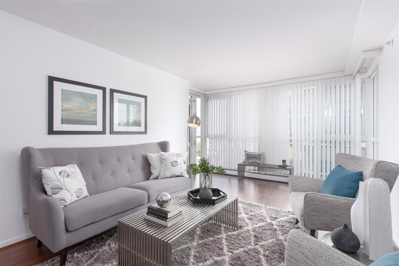 Condo Apartment at 9F 199 DRAKE STREET, Unit 9F, Vancouver West, British Columbia. Image 3