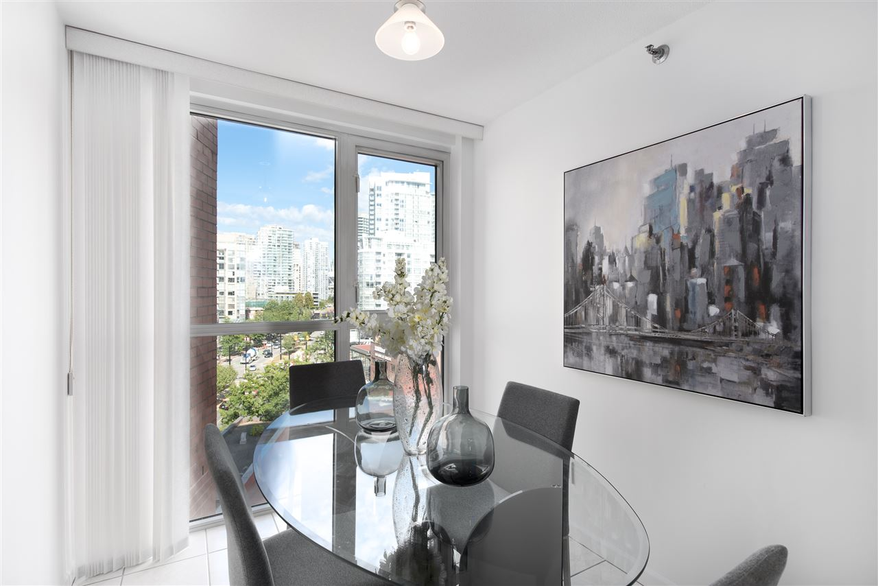 Condo Apartment at 9F 199 DRAKE STREET, Unit 9F, Vancouver West, British Columbia. Image 9