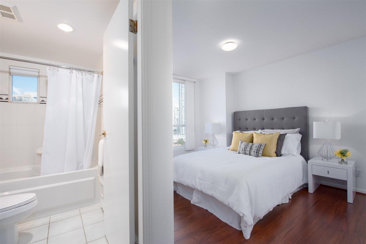 Condo Apartment at 9F 199 DRAKE STREET, Unit 9F, Vancouver West, British Columbia. Image 10