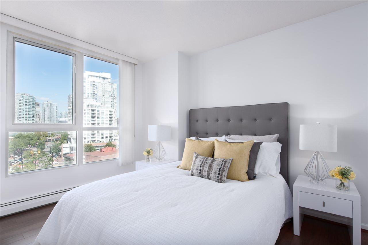 Condo Apartment at 9F 199 DRAKE STREET, Unit 9F, Vancouver West, British Columbia. Image 11