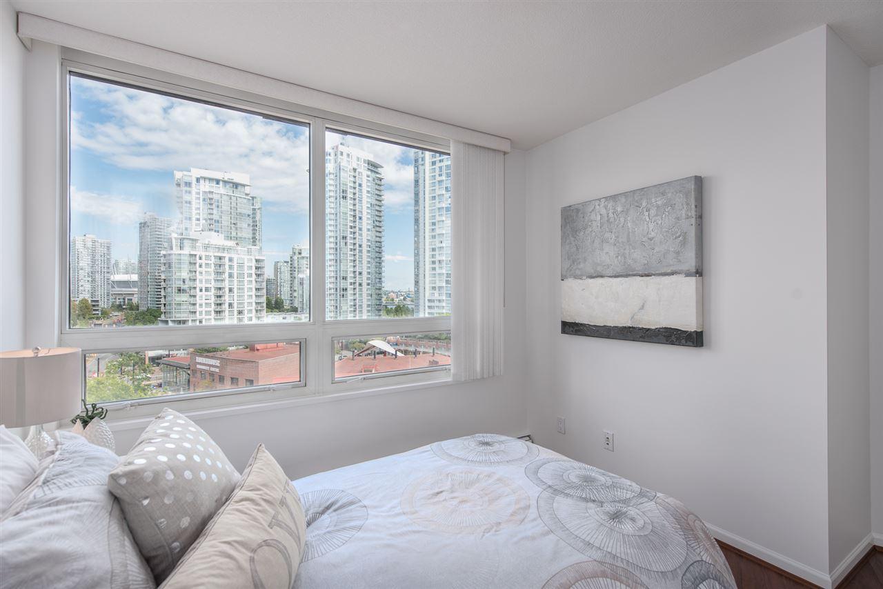 Condo Apartment at 9F 199 DRAKE STREET, Unit 9F, Vancouver West, British Columbia. Image 14