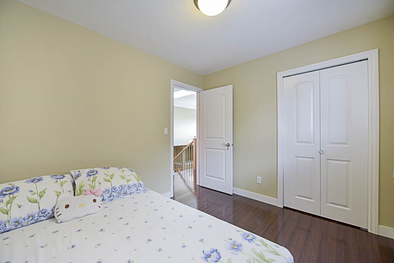 Half-duplex at 6619 RANDOLPH AVENUE, Burnaby South, British Columbia. Image 16