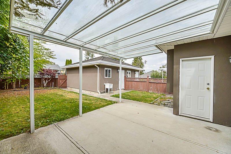 Half-duplex at 6619 RANDOLPH AVENUE, Burnaby South, British Columbia. Image 19